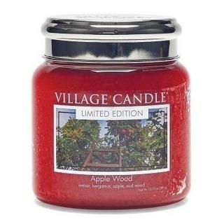 Village Candle Stredná vonná sviečka v skle Apple Wood 397g - Jabloňové drevo