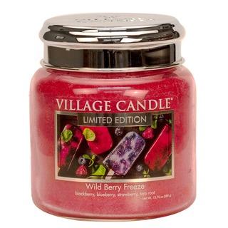 Village Candle Stredná vonná sviečka v skle Wild Berry Freeze 397g